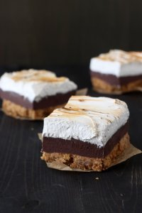Smores Fudge Bars - Handle the Heat